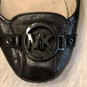 MICHAEL KORS BLACK LEATHER FLATS DRIVING SHOES 9.5
